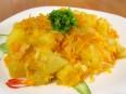 Картофель, обжаренный с луком и морковью