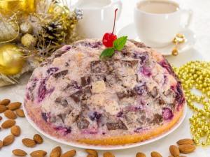 Торт «Панчо» с вишней и миндалем