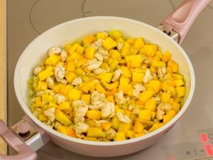1099 0145289w 0265 p Рецепт: Пирог с тыквой и курицей