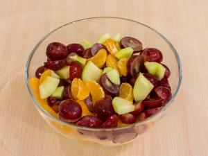 1137 0623mnc 5674 p Рецепт: Фруктовый салат с фундуком и йогуртом