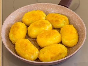 1150 01870ku9 7834 p Рецепт: Котлеты из картофеля с фаршем и грибами