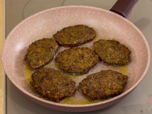 1159 0892erh 9019 p Рецепт: Печеночные котлеты под грибным соусом
