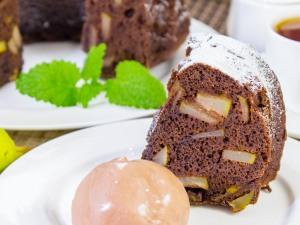 1210 0890djb 5139 p Рецепт: Шоколадная шарлотка с грушей